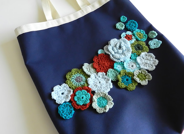 bag with crochet flowers