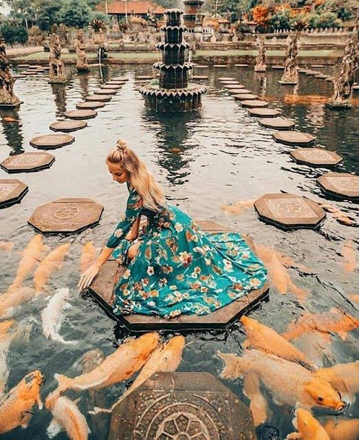 Ngoài những bãi biển đẹp, khách sạn xa hoa và các ngọn núi lửa hùng vĩ, Bali (Indonesia) còn có nhiều công trình mang đậm tính văn hóa, lịch sử tồn tại qua nhiều thế kỷ. Trong đó, cung điện trên nước Tirta Gangga là một trong những khu di tích bạn nên ghé thăm khi muốn khám phá nền văn minh và đời sống tinh thần của người bản địa trong quá khứ.