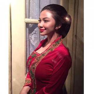 Intip 10 Potret Cantik Mempersona Aktris dalam Balutan Kebaya Nusantara