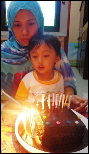 potong kue ulang tahun