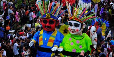 6 Nama Provinsi di PULAU JAWA: Ibukota, Bahasa, Suku, Pahlawan, Lagu Daerah, Rumah Adat, Pakaian, Tarian, Senjata dan Peninggalan Sejarah