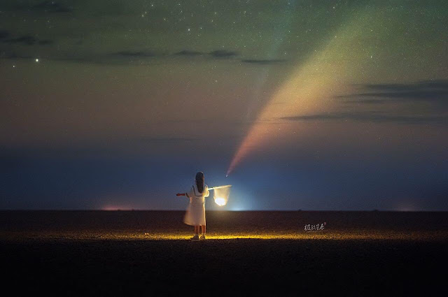 """""""I'll catch the comet for you"""" Chinese photographer"""