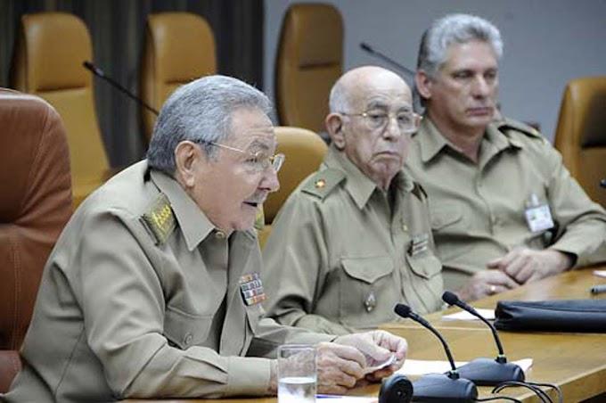 Miguel Díaz-Canel tiene las horas contadas, acaba de ser ascendido a general