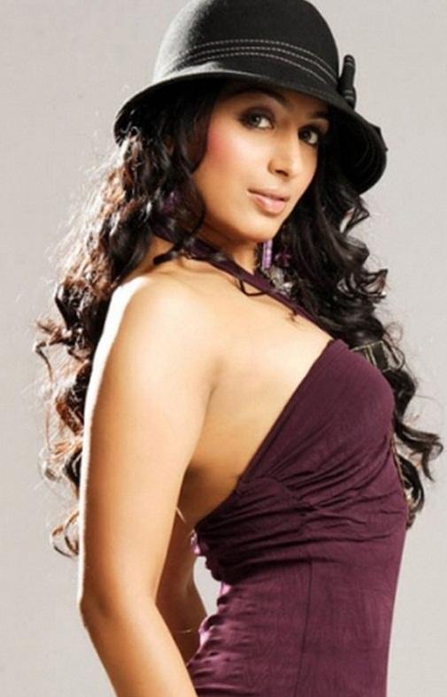 padmapriya hot in surya film awards - photo #37