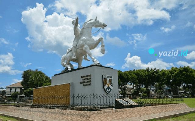 Patung-diponegoro-Magelang