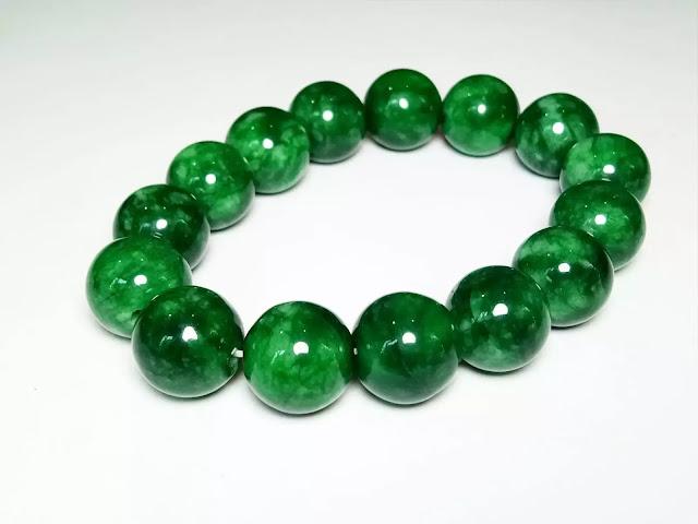 gelang giok hijau lumut