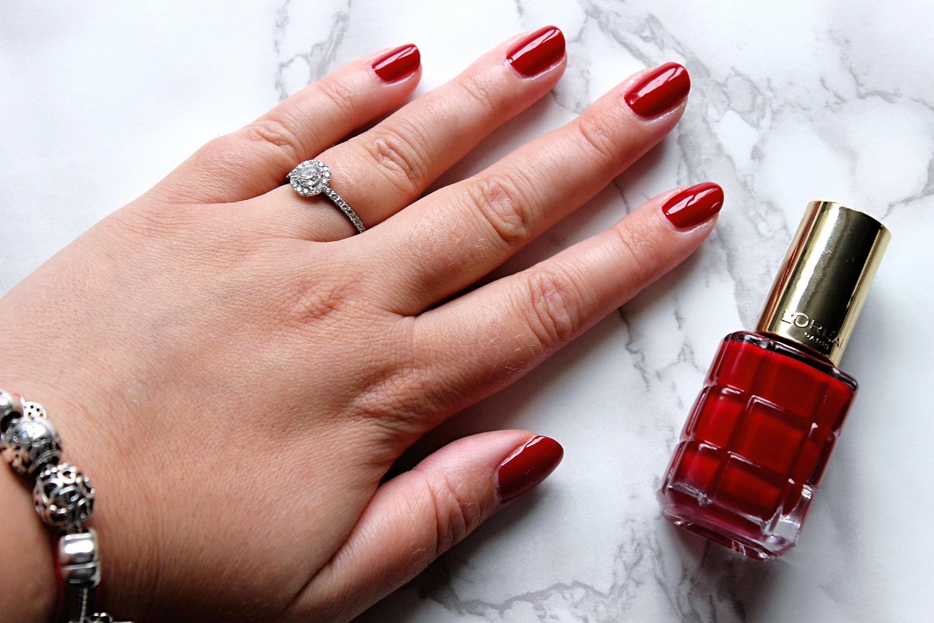 лакове за нокти лак за нокти loreal color riche Rubis Folies