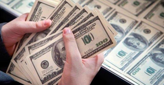 Más del 53% de los venezolanos apoyaría la dolarización