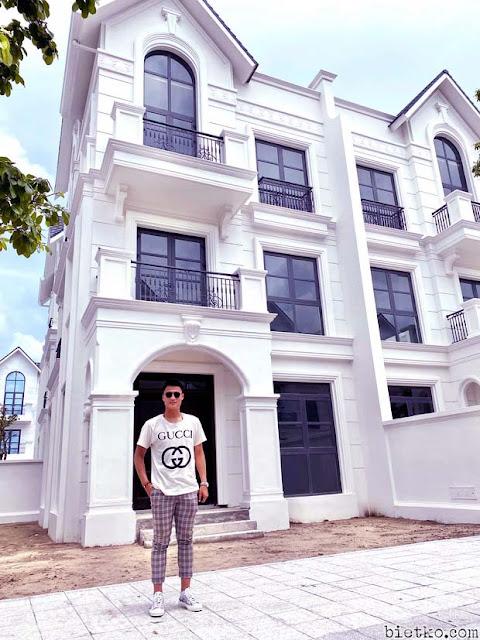 Hình chụp căn nhà biệt thự sang trọng vừa mới tậu của cầu thủ Mạc Hồng Quân