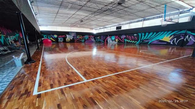 kelebihan menggunakan lantai kayu di lapangan basket