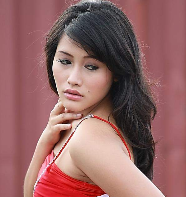 Blog Dewasa: Si Cantik MERAH YAng Menggoda- Supermodel