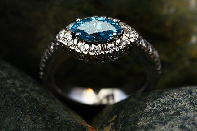 Wedding Ring Terbesar di Dunia Yang Dipakai Selebritis