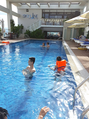 ダナンのホテルのプール