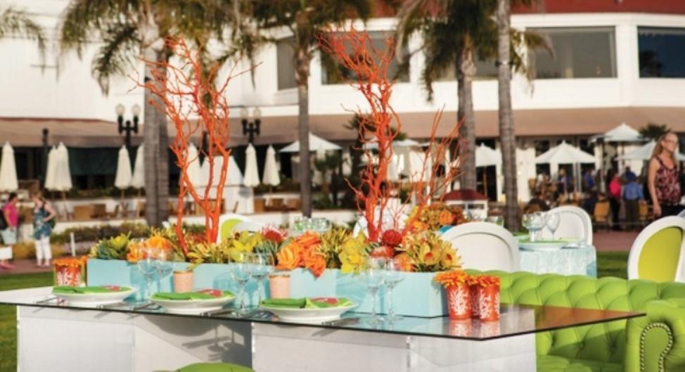 Ciao Newport Beach A Modern Beach Wedding At The Del