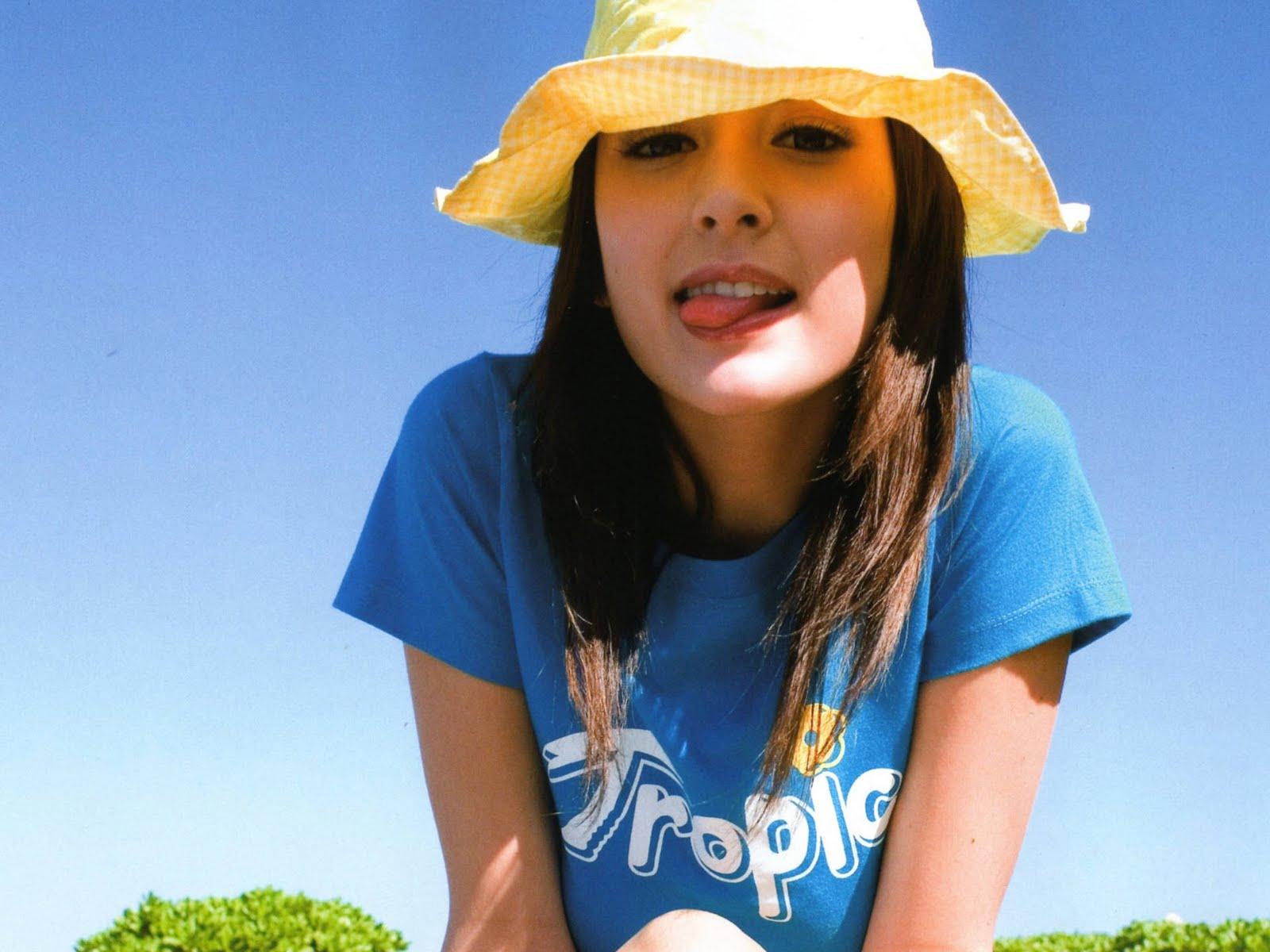Foto Grafia Livia: American-born Japanese Singer And Model