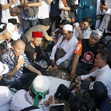 Pilih Bebaur Massa, Ustadz Felix Siaw : Reuni 212 Bukti Bahwa Muslim Itu Peduli