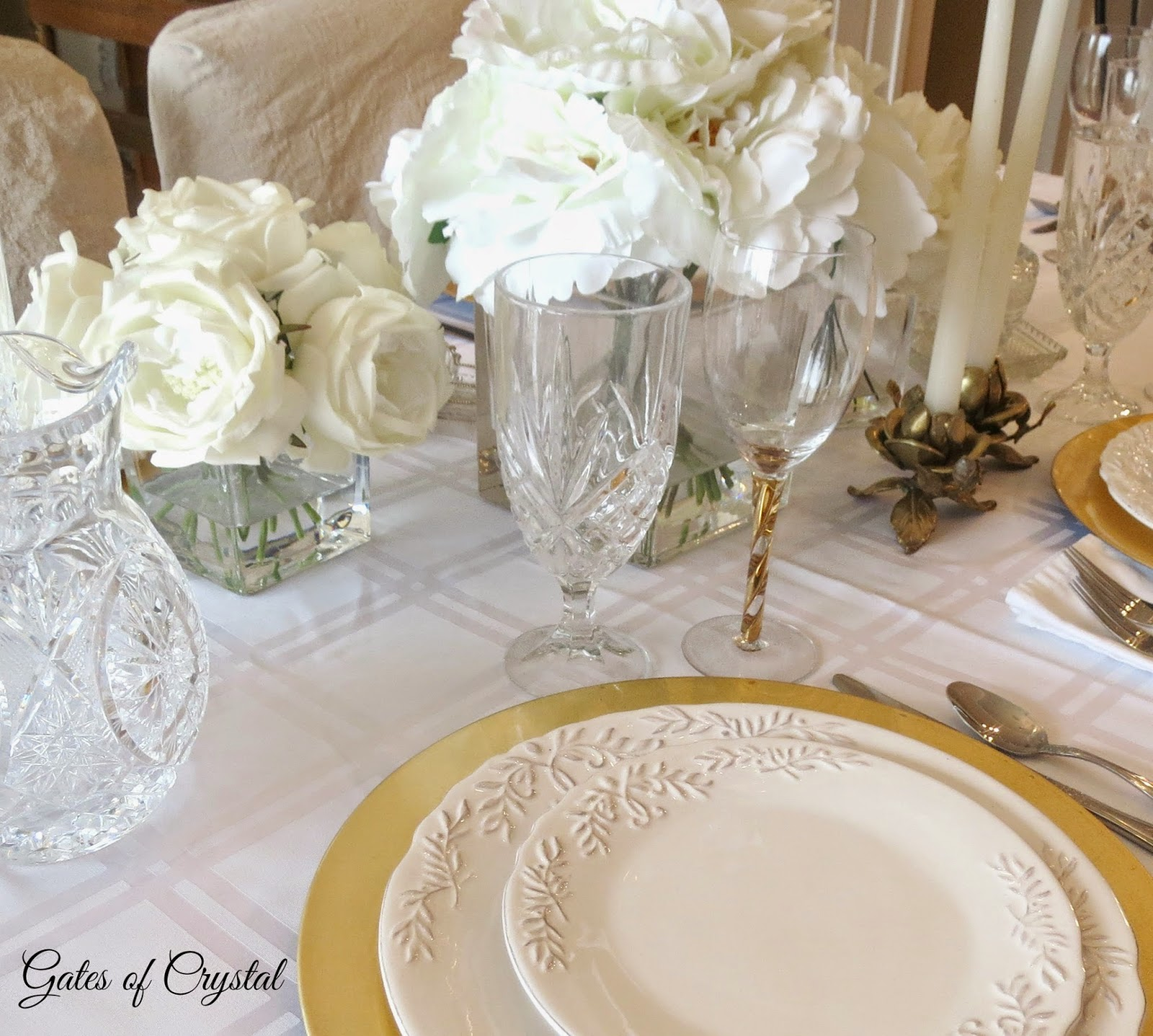 This Placesetting Is To Die Gold Charger Champagne: Gates Of Crystal: White And Gold Table Setting