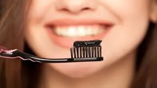 الفخم لتبييض الاسنان في المنزل بسرعة.