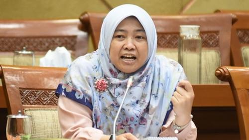 TKA China Kembali Masuk Indonesia, Bukti Pemerintah Tak Serius Kendalikan Pandemi Covid-19