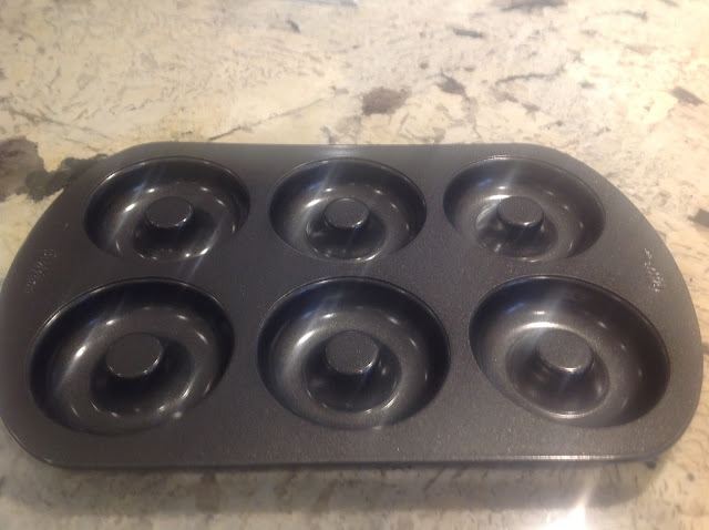 baking pan for doughnuts