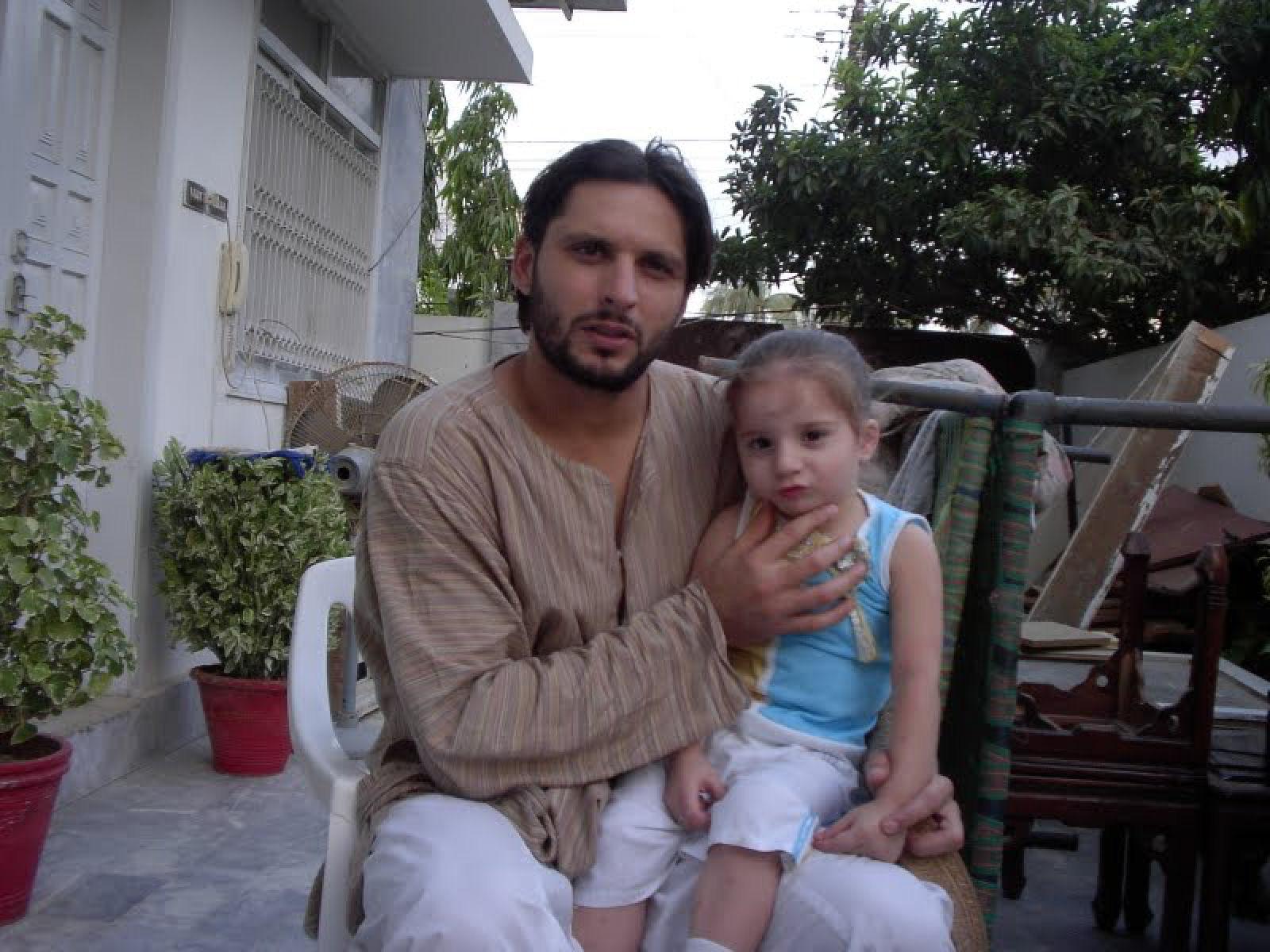 essay my favourite cricketer shahid afridi