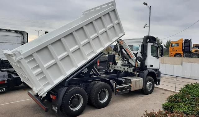 Νέο τριαξονικό φορτηγό στην υπηρεσία καθαριότητας του Δήμου Επιδαύρου