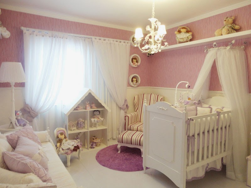 Habitación pequeña de bebé
