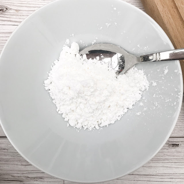 Icing sugar in a bowl