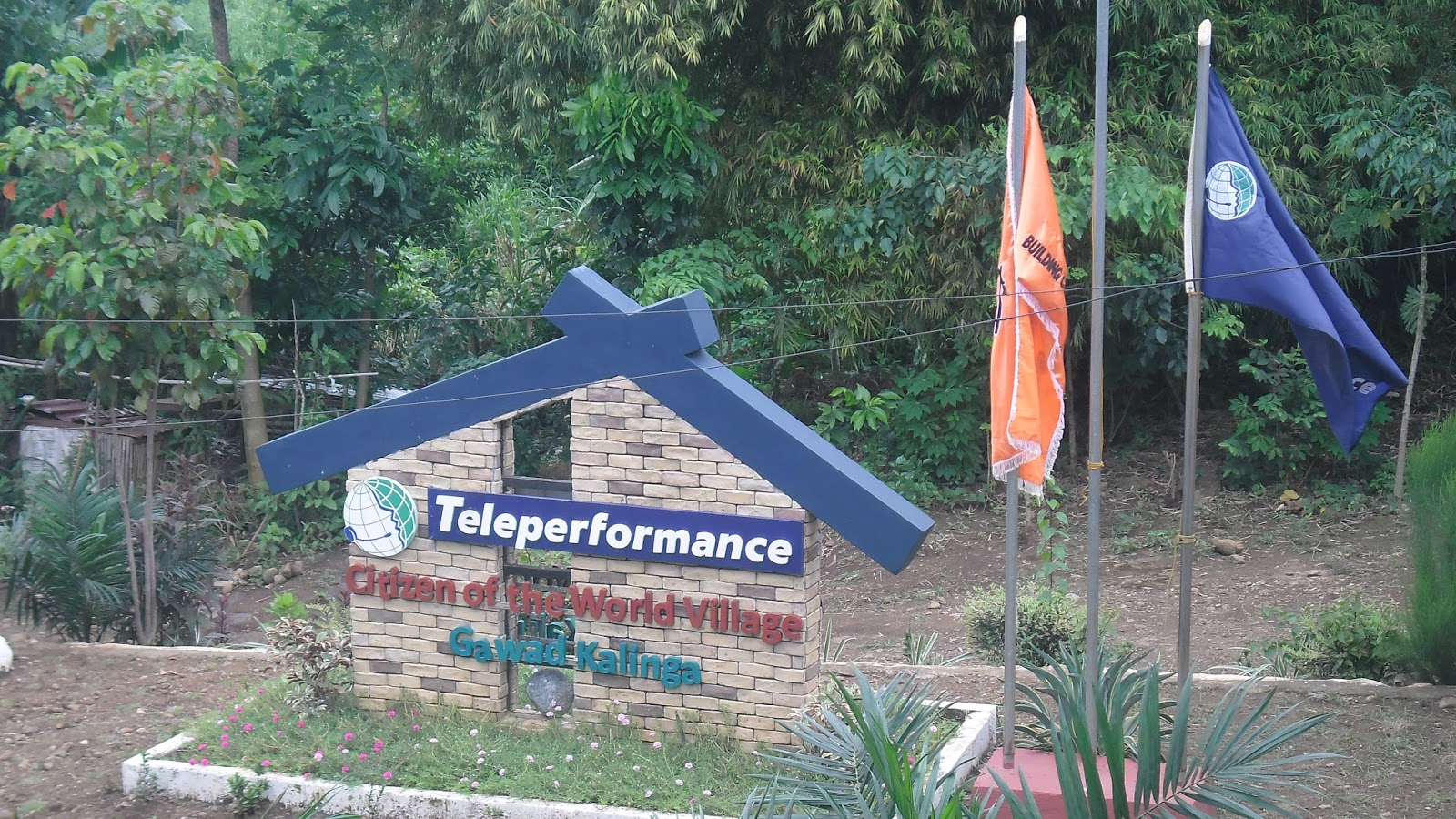 Mom's World of Arts and Happiness: Teleperformance and ...