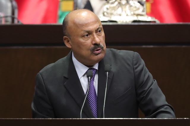 diputado René Juárez Cisneros