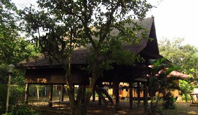 Objek Wisata Sejarah Saung Ranggon di Bekasi