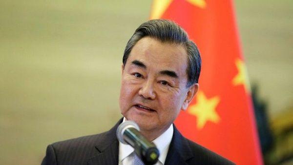 China asegura que no sucumbirá a presiones en negociaciones con EE.UU.