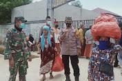 Pondok Pesantren Nurul Jadid Menyediakan 400 Paket Untuk Janda Tua Dan Dhuafa