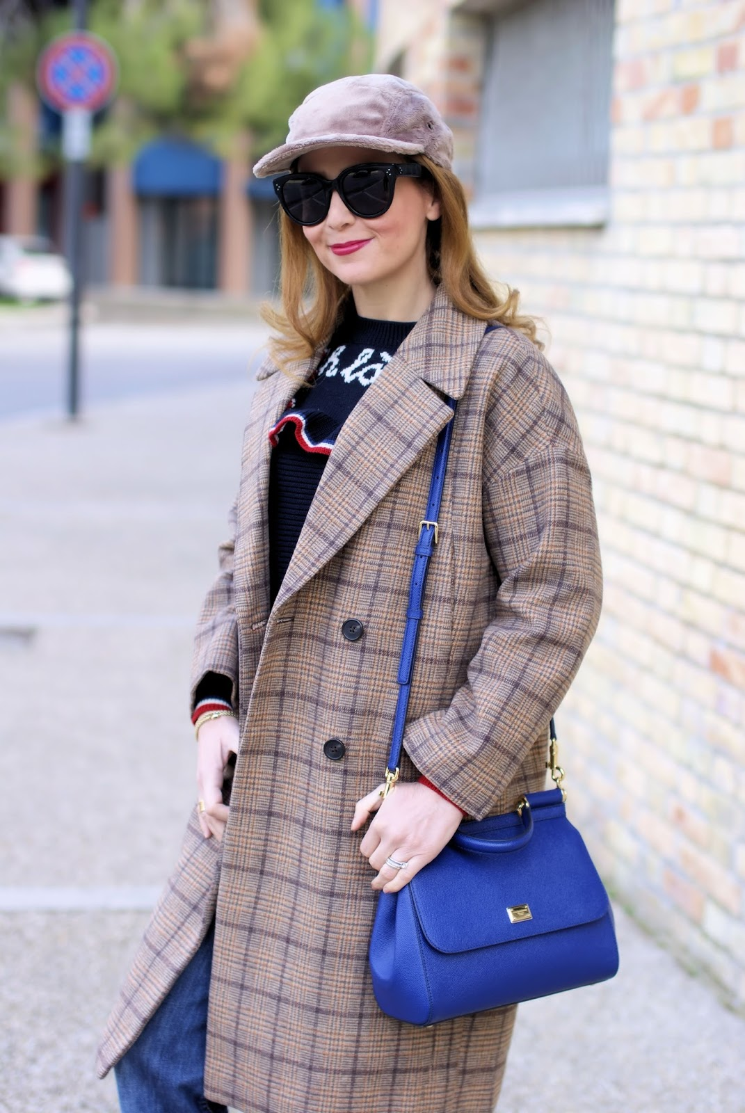 Metisu coffee check coat, furry baseball hat on Fashion and Cookies fashion blog, fashion blogger styl