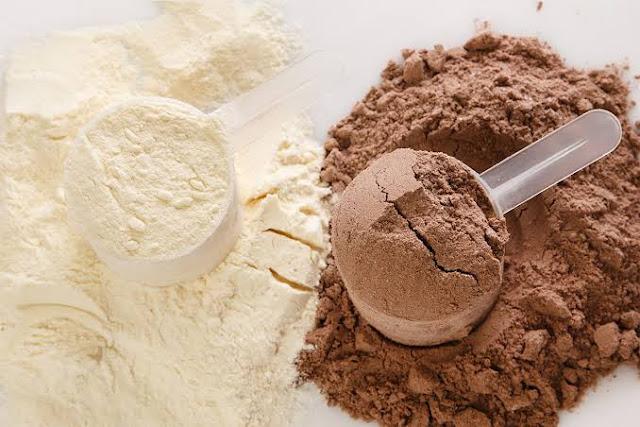 Iki farklı protein tozu