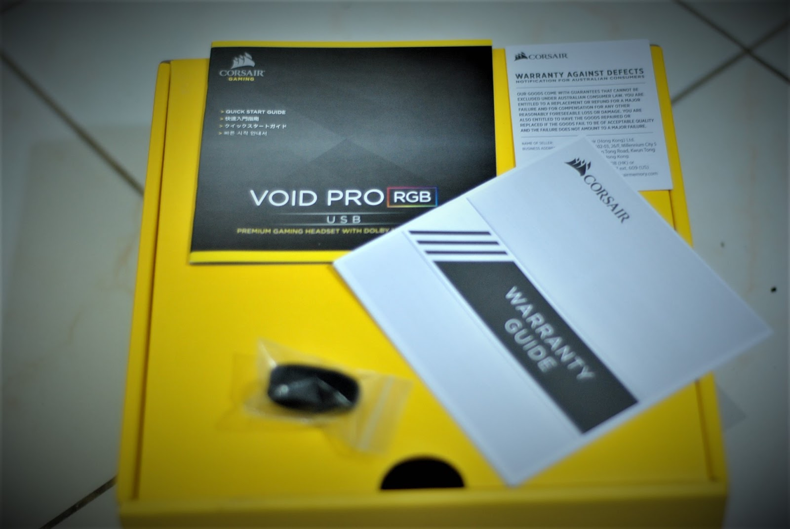 Review Corsair Void Pro Rgb Usb Urbantechnoobs Dolby 71 Gaming Headset White Inside The Box Youll Find Mic Windscreen Warranty Guide And A Quick Start Nothing Special Included In