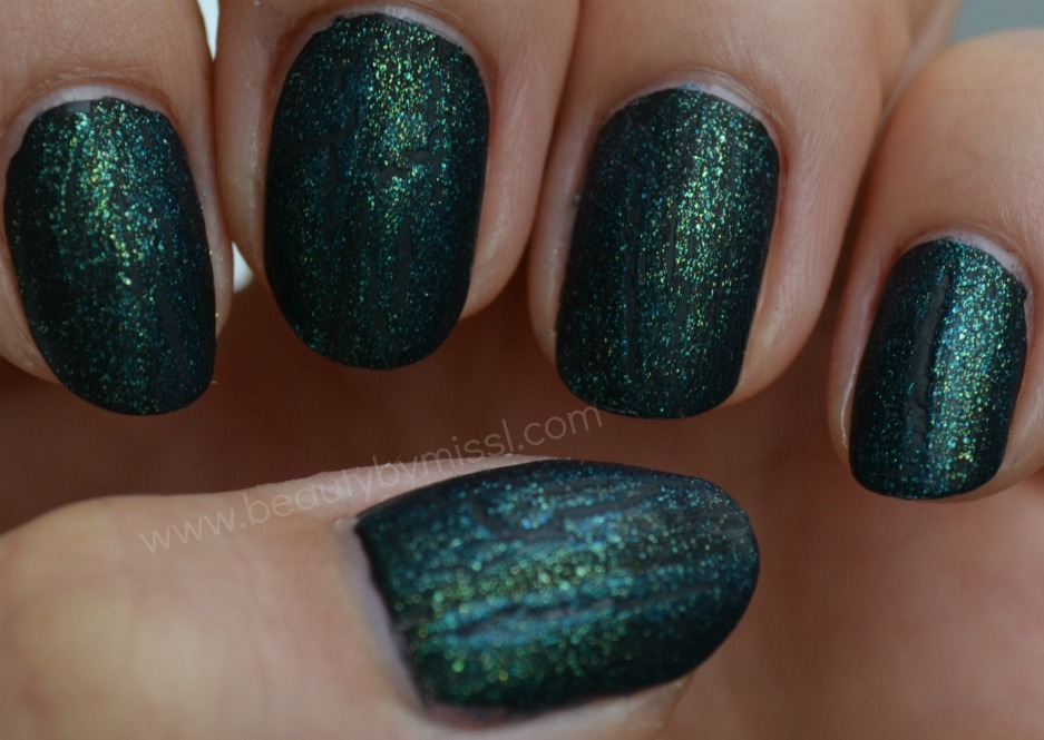 nails of the day, Funky Fingers Teal Scales