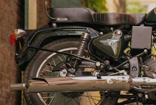 Rear wheel and fender of Royal Enfield Bullet 500.