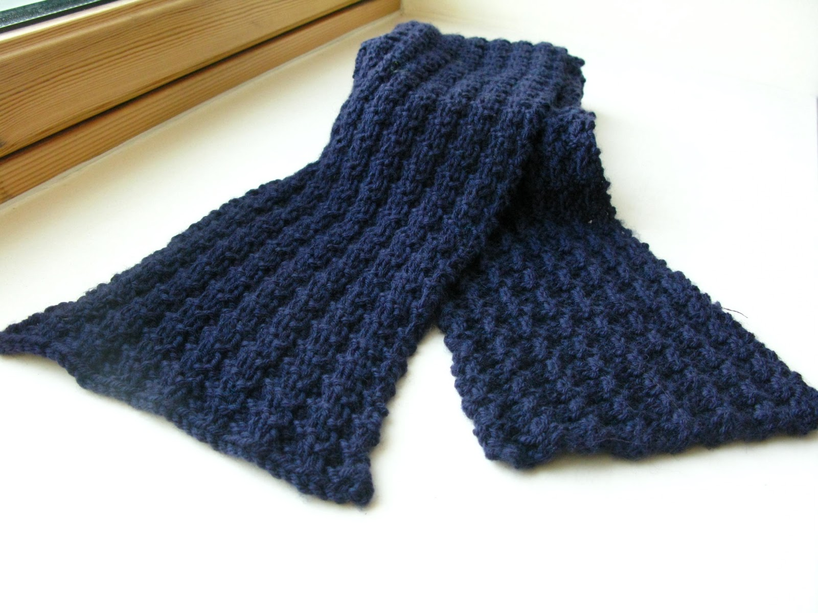 Easy Scarf Knitting Patterns For Men : littletheorem: Fathers Day Competition on AllFreeKnitting