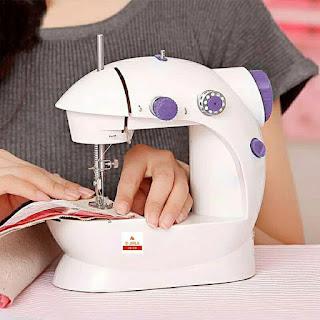 ماكينة خياطة صغيرة