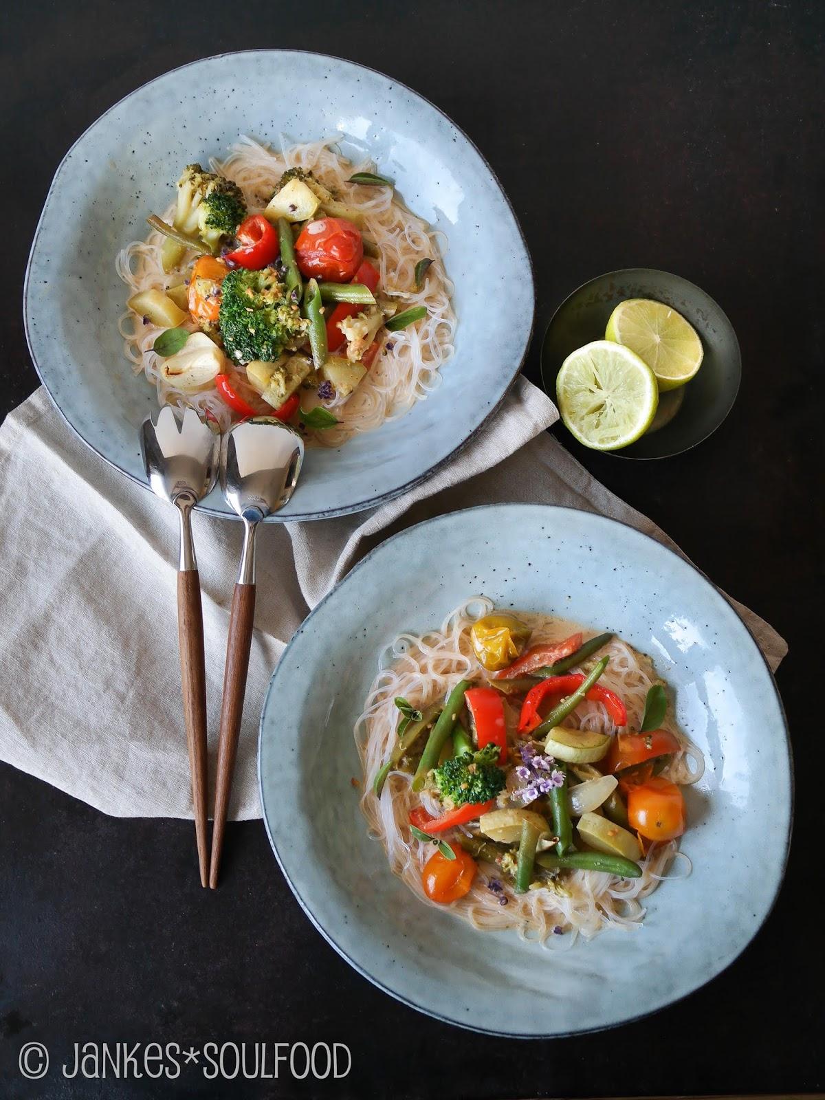 Vegetarisches Curry mit Röstgemüse
