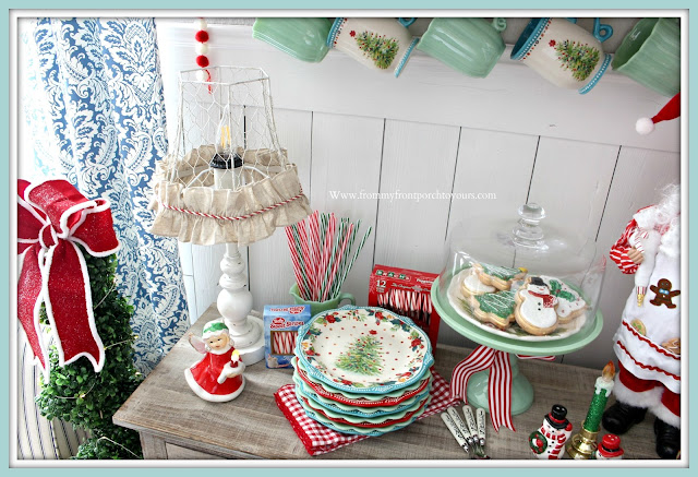 Breakfast -Nook -Christmas -Decor-Cottage-Christmas-Farmhouse-Christmas-Pioneer Woman-Holiday 2019-Jadeite-Cake-Stand-From My Front Porch To Yours