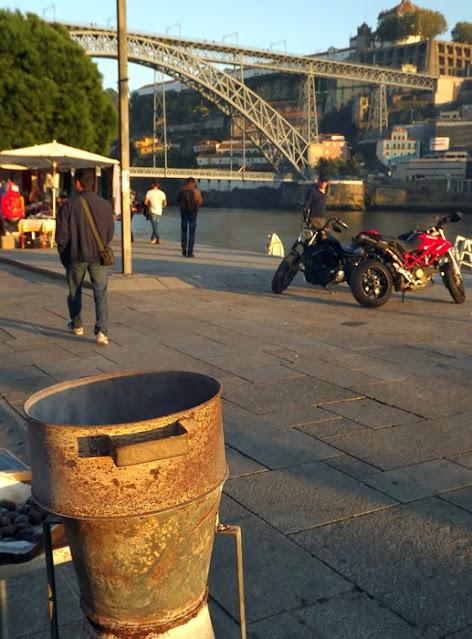 assador de castanhas na Ribeira do Porto