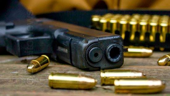 porte posse arma crime desmuniciada defeito