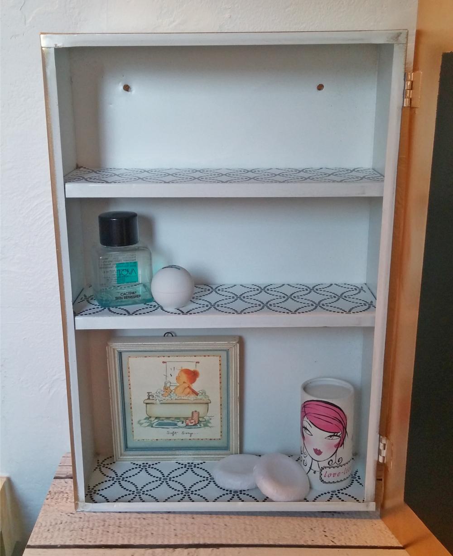 vintage medicine cabinet refresh