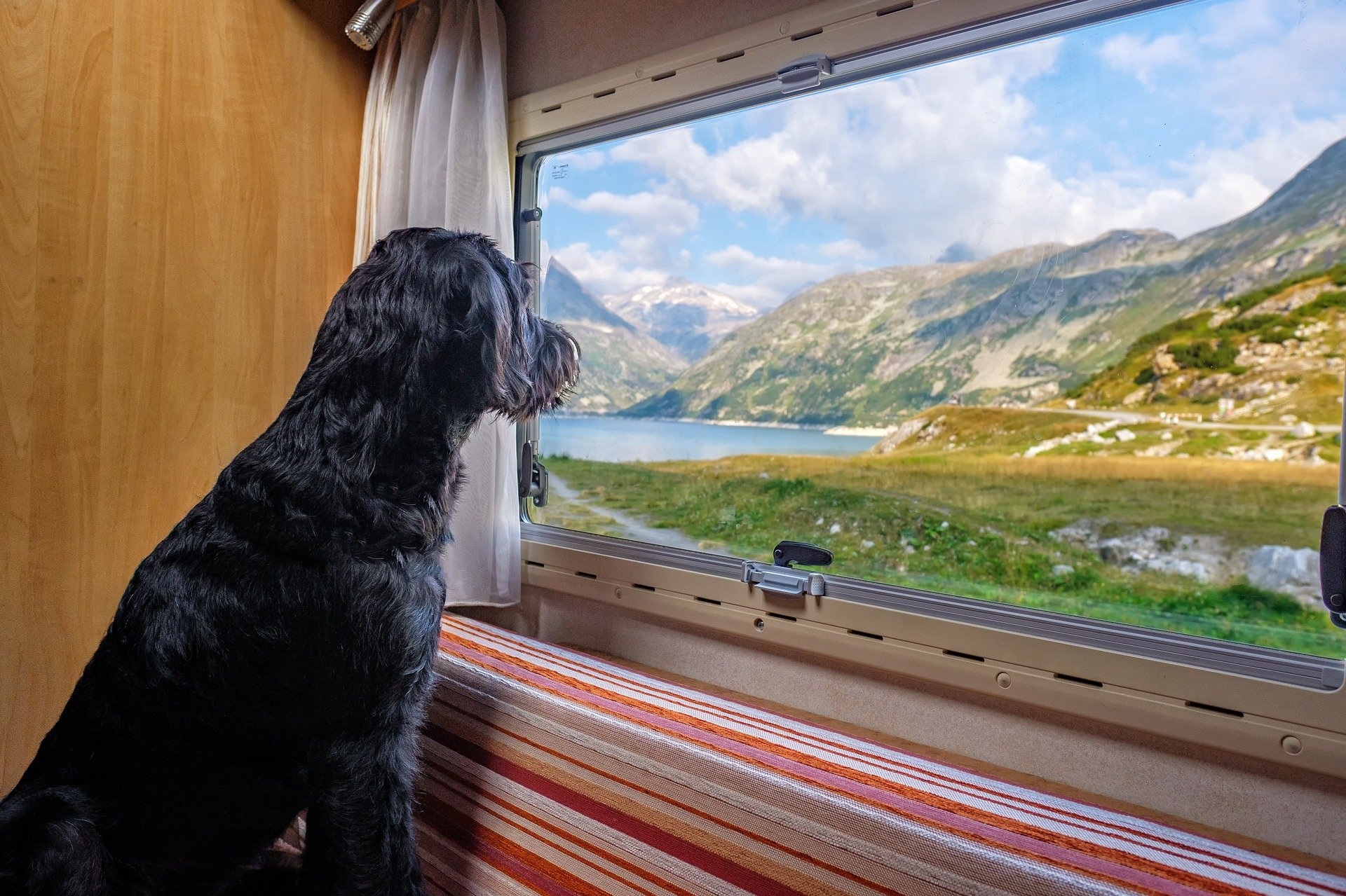 A Few Benefits of a Family Caravan or Motorhome Vacation