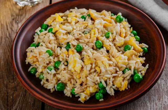 How to make restaurant-style egg fried rice recipe at home