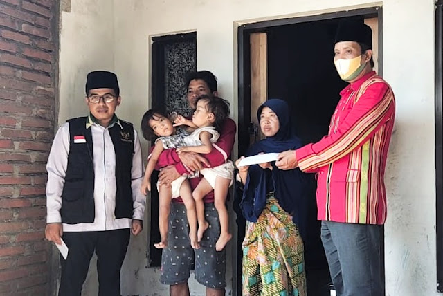 Baznas Lotim salurkan bantuan untuk bayi kembar siam Anaya dan Inaya