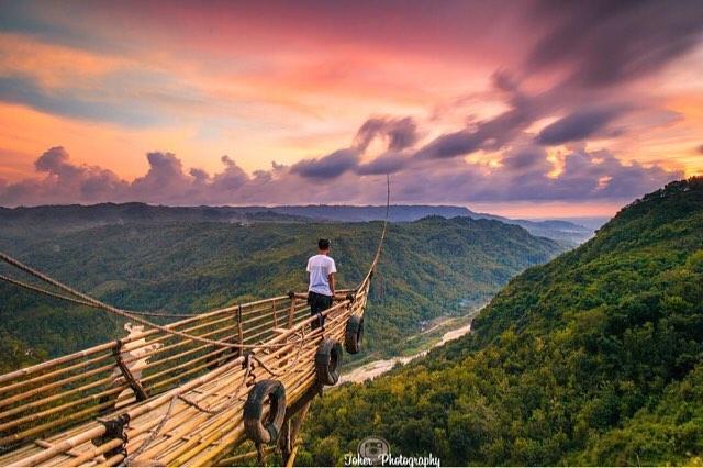 Menikmati view alam terpopuler di Spot Jurang Tembelan BantulYogyakarta