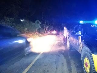 Antisipasi Tindak Pidana Pada Malam Hari Personel Polsek Cendana Polres Enrekang Melaksanakan Patroli Blue Light